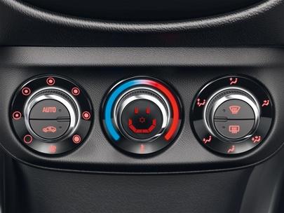 Ozonowanie wnętrza pojazdu w Serwisie Opel AutoŻoliborz