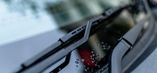 Jak poprawnie dobasować wycieraczki do swojego samochodu?