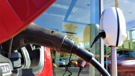 Zalety i wady samochodu elektrycznego