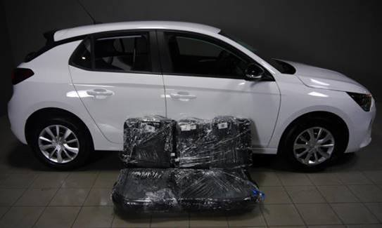 Kanapa luzem Opel Corsa F