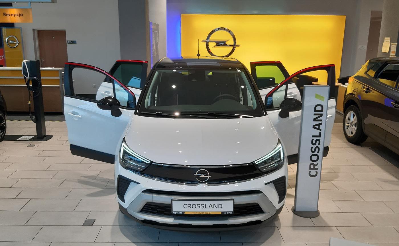 Opel Crossland MR 2021 z czarnym dachem