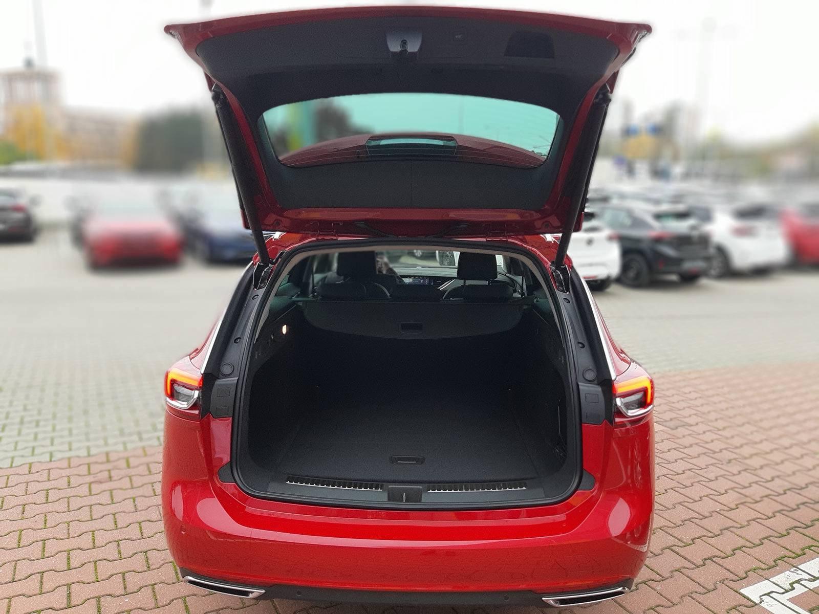 Otwarta klapa Opel Insignia Sports Tourer