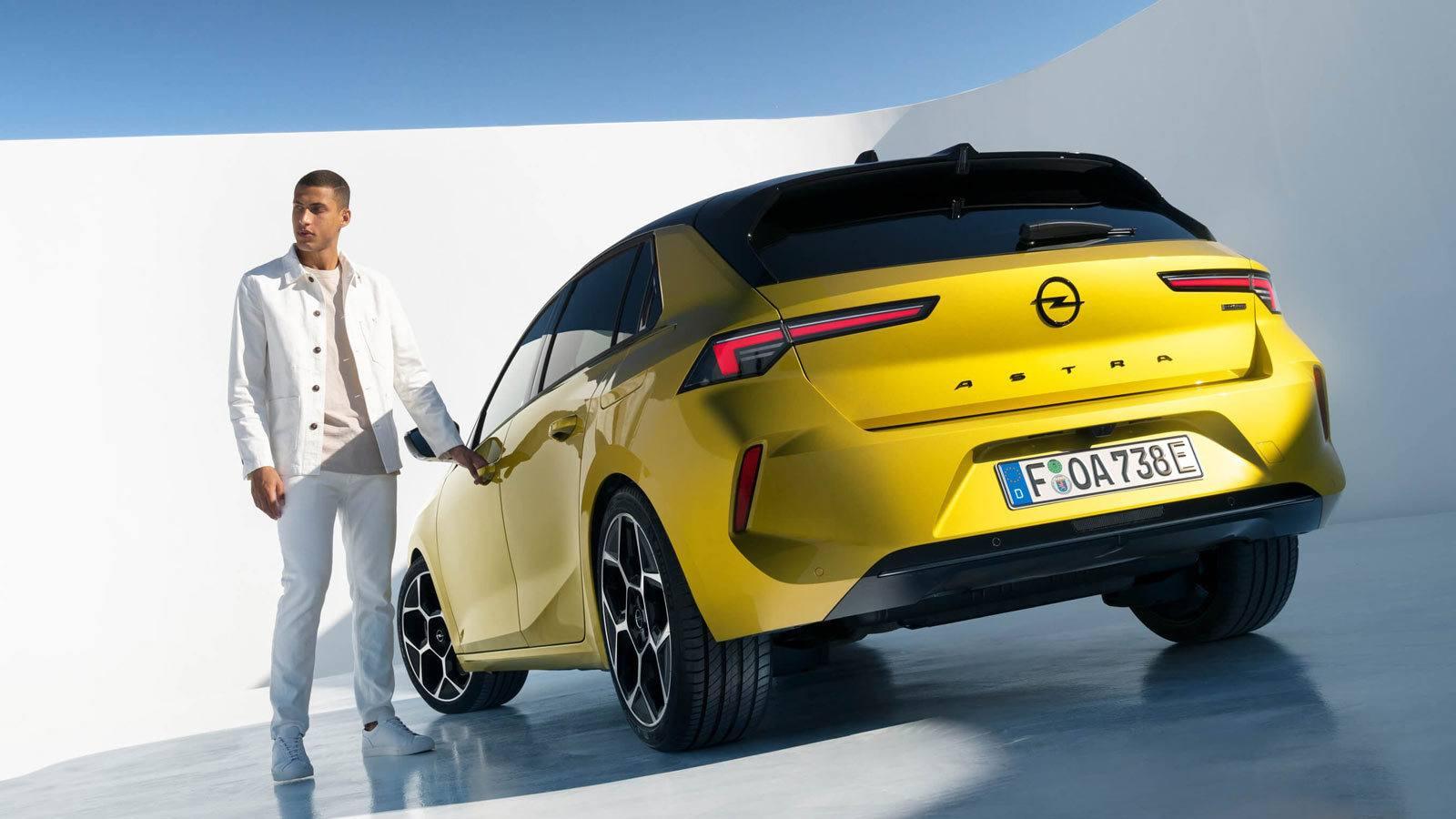 Opel Astra VI tył
