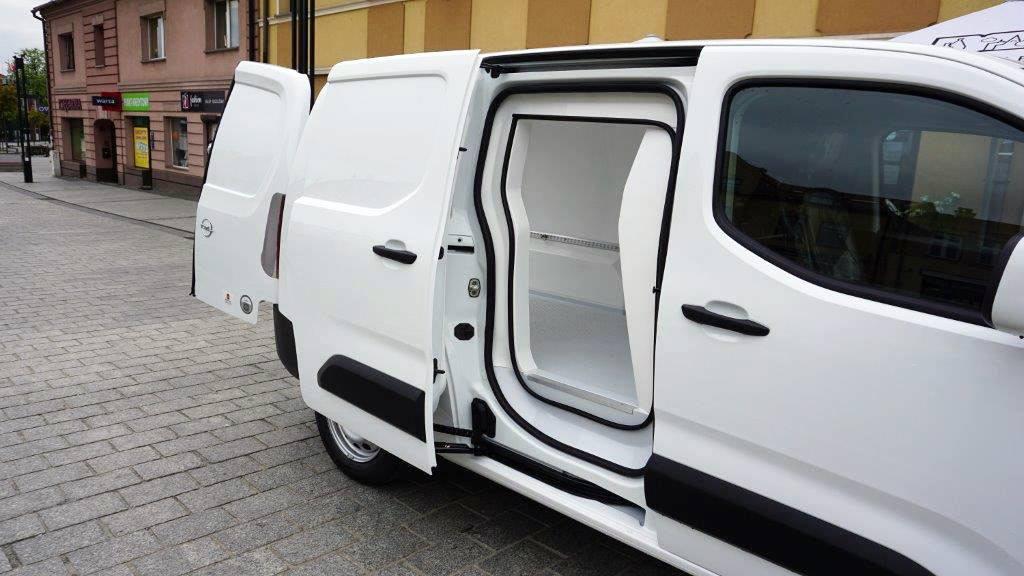 Zabudowa izotermiczna na Oplu Combo Cargo