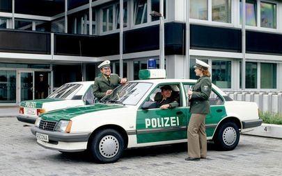 35 lat temu: Opel Ascona 1.8i pierwszym niemieckim samochodem z katalizatorem zaprojektowanym na europejski rynek