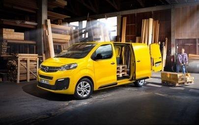 Czas na elektryczność: nowy Opel Vivaro e w sprzedaży w Polsce już za 139 350 zł netto