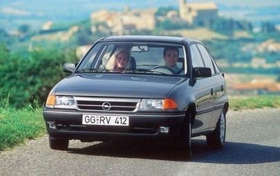 Bestsellerowy Opel: 30 lat od światowej premiery Astry F
