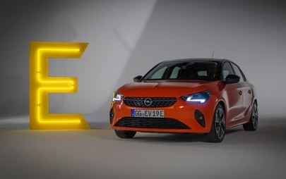 Opel stawia na elektryczność! Filmowe podsumowanie roku 2019