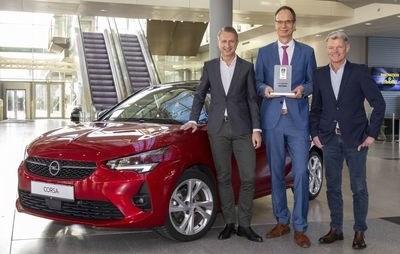 """Nowy Opel Corsa zwycięża w plebiscycie """"Connected Car Award"""""""