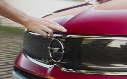 Opel Crossland gwiazdą nowej międzynarodowej kampanii telewizyjnej